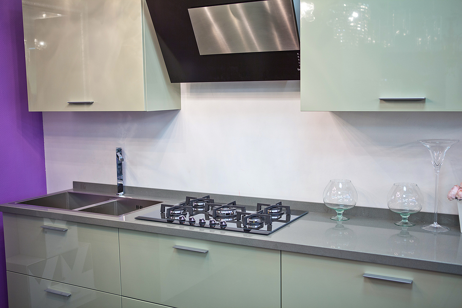 Modern kitchen with splashbacks